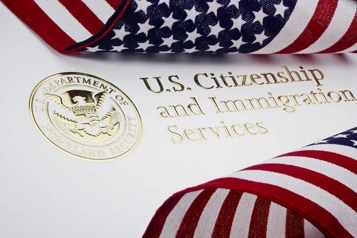 美国移民局官方更新了EB-5区域中心项目暂停后的各阶段申请的审理原则,